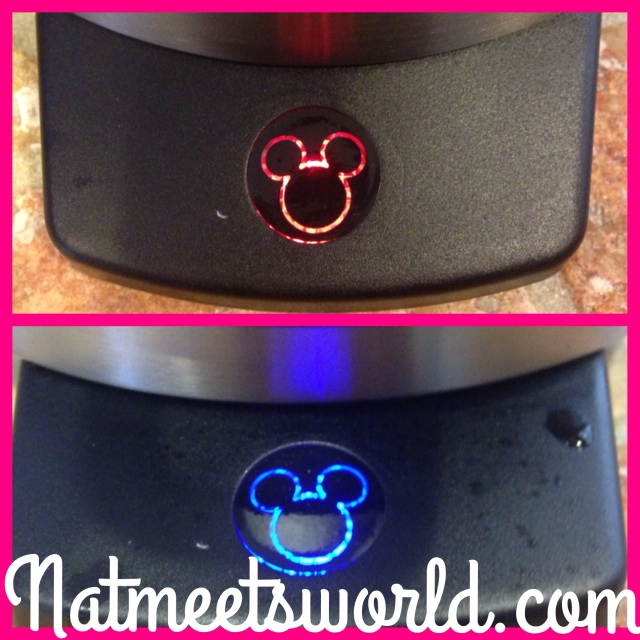 mickey waffle maker ready light