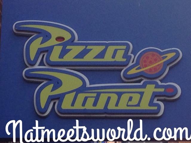 pizza planet logo2