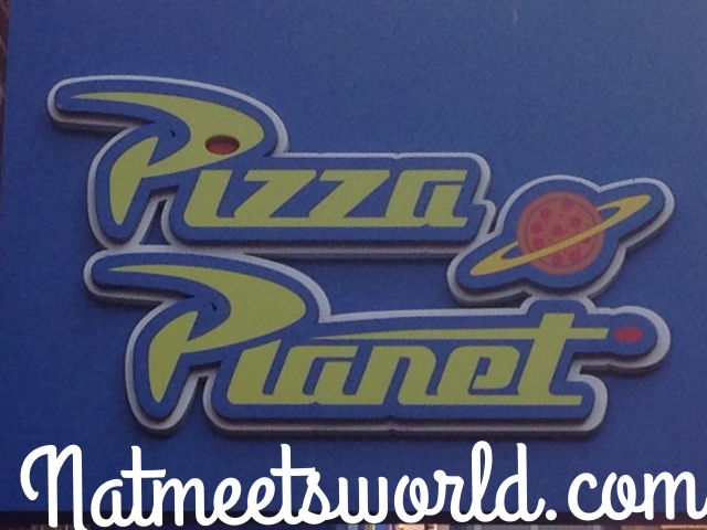 pizza planet logo2