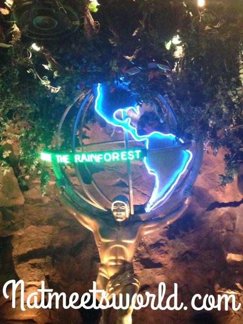 rainforest cafe man